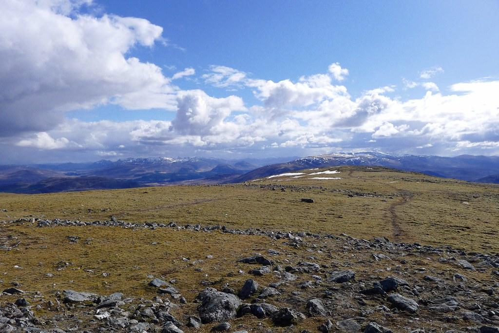 Gael Charn summit plateau