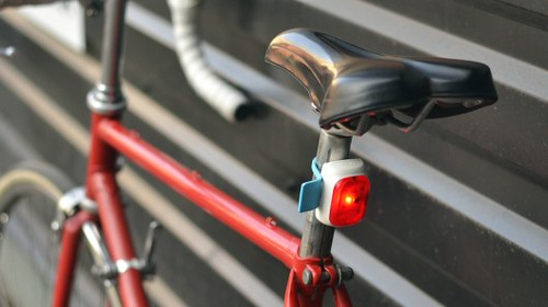 Velodroom - светодиодный велосипедный фонарь предугадывает действия райдера
