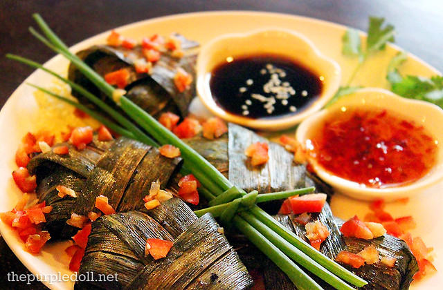 Gai ob bai toey - Pandan-Wrapped Chicken (P290)