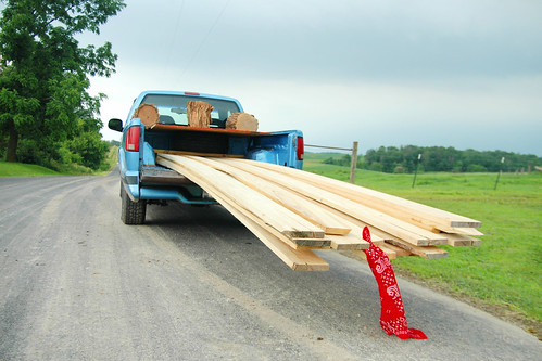 how to get a good laugh from a wagon load of amish sawyers.