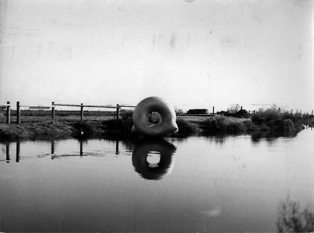 1964 Les saint marie de la mer Gonfiabile ABBANDONO 250cm x 250cm