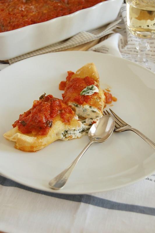 Ricotta and spinach manicotti / Manicotti de ricota e espinafre