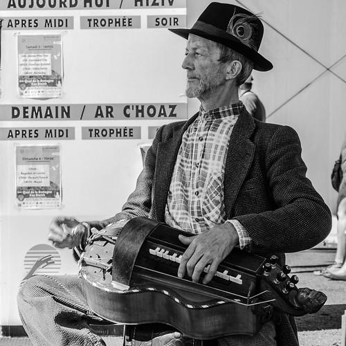 Hurdy-gurdy train blues