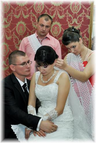 """Concursul Obiceiul """" Dezbrăcatul miresei!!!"""" > Ruslan si Corina Cretu"""