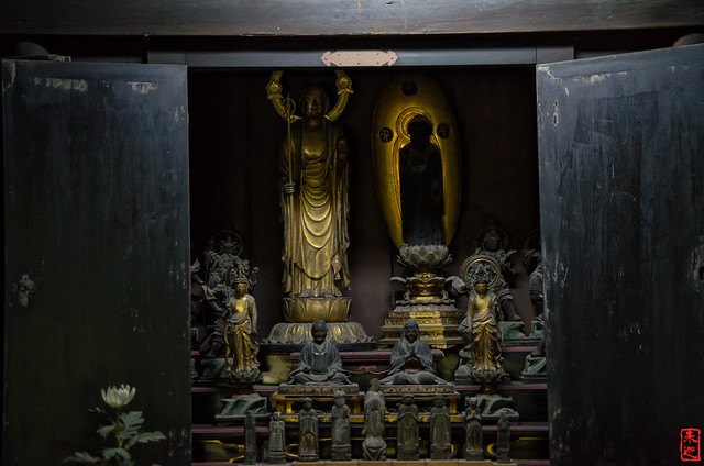 「薬師堂の仏像」 法観寺 - 京都
