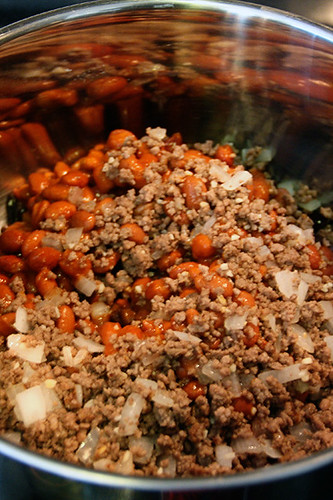 Make_Chili_Beans-Onions-Meat