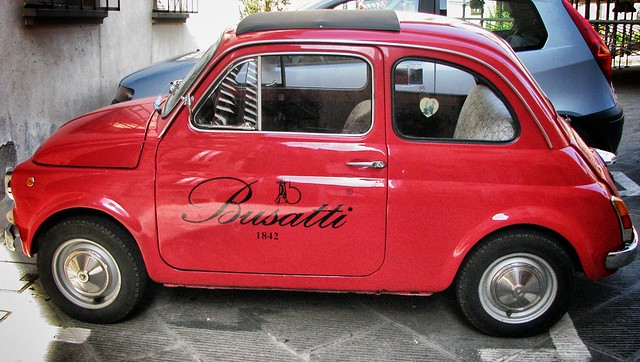 Italian Icons - Fiat 500 and Busatti Linens