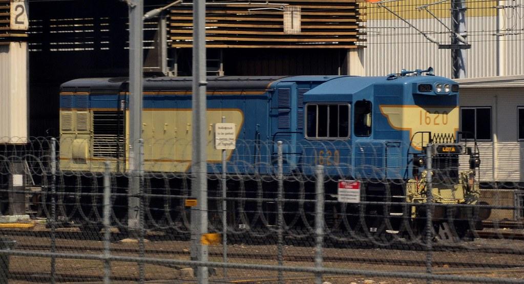 Queensland Rail - 1620 by Shawn Stutsel