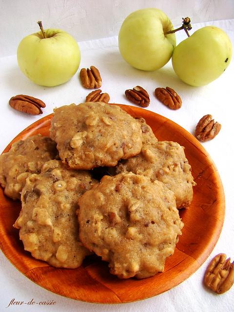печенье на яблочном повидле с изюмом и орехами