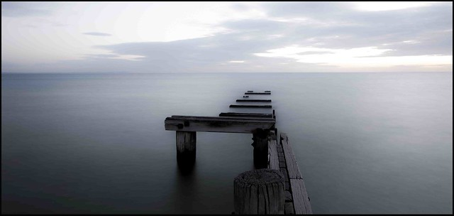 mentone broken pier