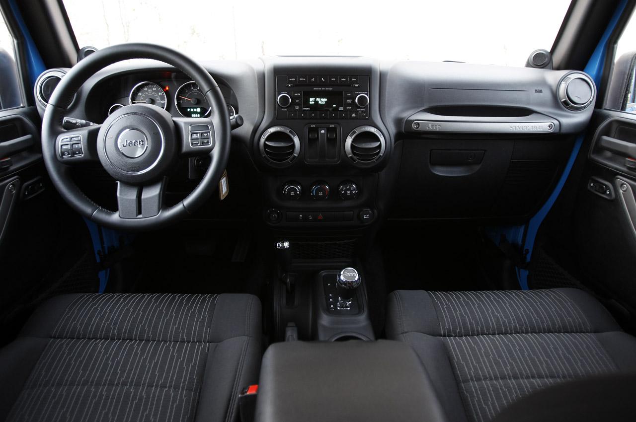 45-2012-jeep-wrangler-sport-review
