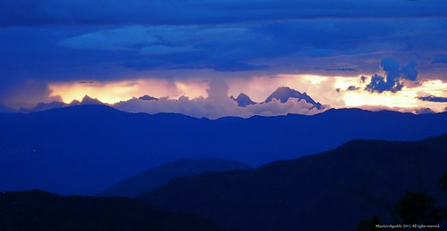 light sunset cloud mountain luz rural atardecer colombia andes montaña nube cordillera occidental blinkagain