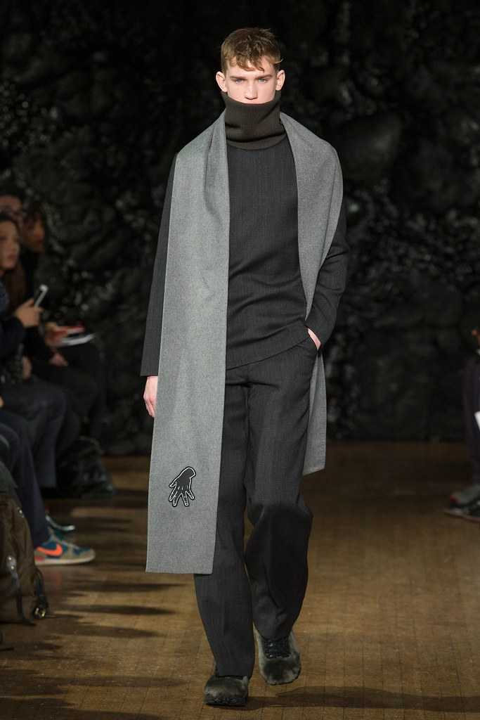 FW14 London Xander Zhou020_Eugen Ivanov(VOGUE)