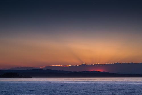 ocean morning santacruz sun sunrise sunrays westcliffdrive