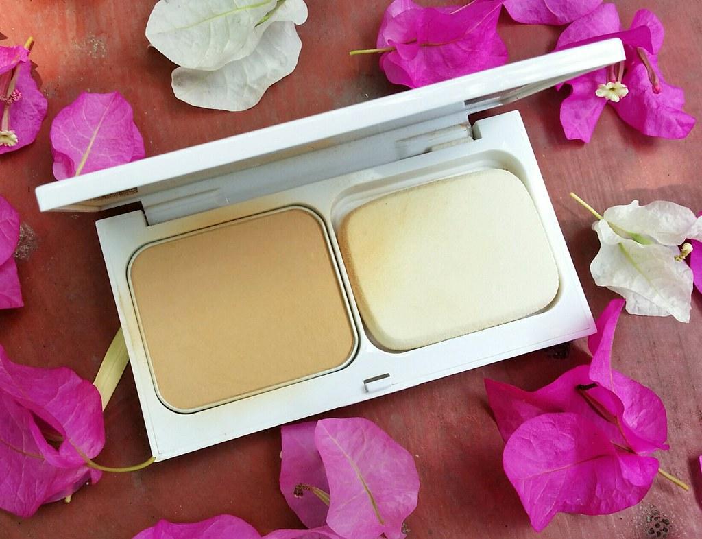 Bobbi-brown-extra-bright-powder-compact