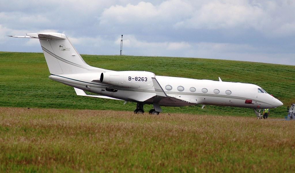 B-8263 - GLF4 - Deer Jet
