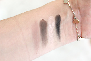 Swatch Maybelline The Nudes Cold Quad
