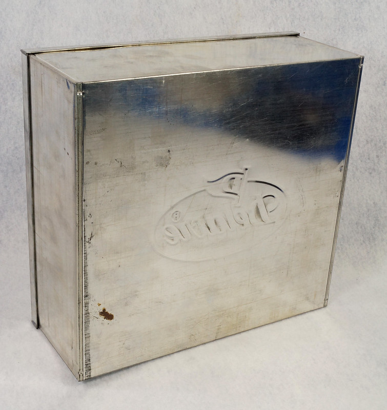 RD15330 Delacre Tin Box Square Vintage Collectible Metal Large Square Advertising DSC09189