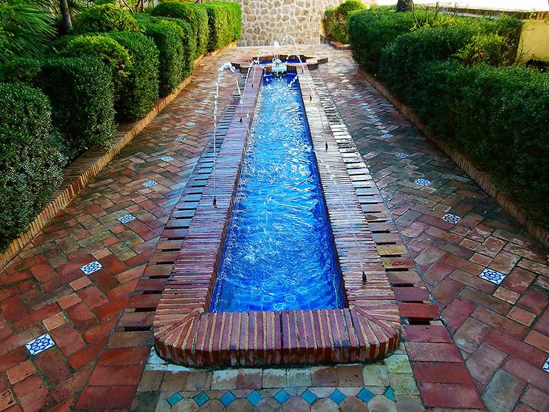 Fuente árabe en el Palacio de Cervellón en Anna (Valencia)
