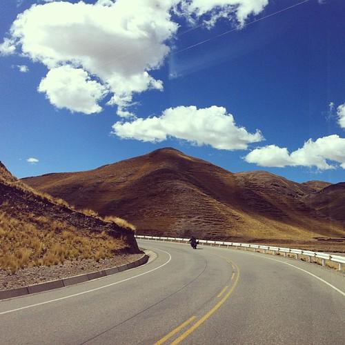 #andes #bestoftheday #beautiful #clubsocial #engraxar #estrada #fotopremiada #igersdizquefuiporai #instagramperu #instagood #igersperu #miperu #moto #nationalgeographic #natgeowild #natgeo #photooftheday #photo #perú #peru #sky #yamaha #xt660 p