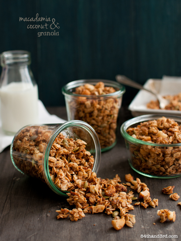 Macadamia & Coconut Granola - gluten, dairy, fructose free