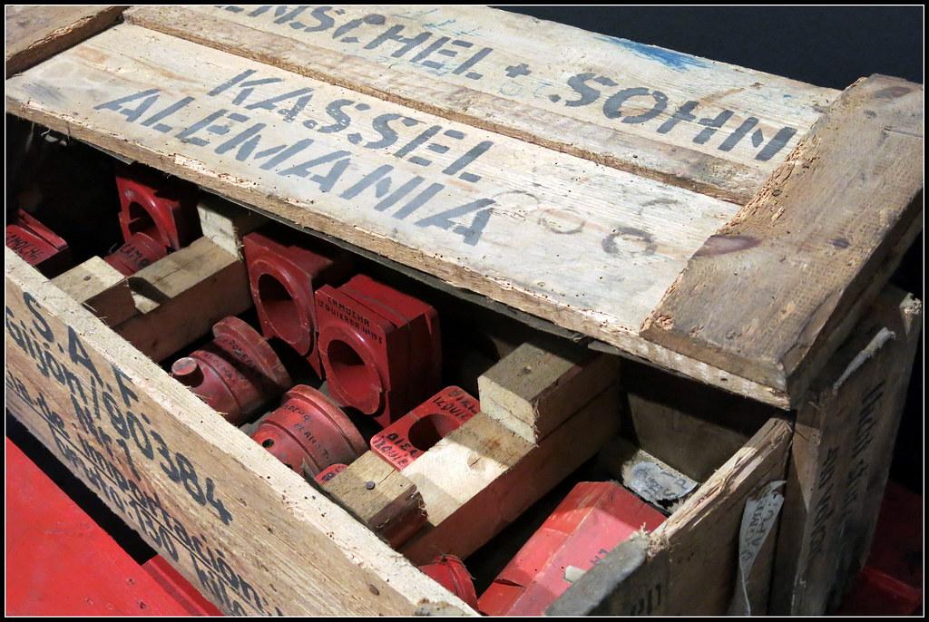 de cuando se importaban por mar las piezas de los trenes en cajas