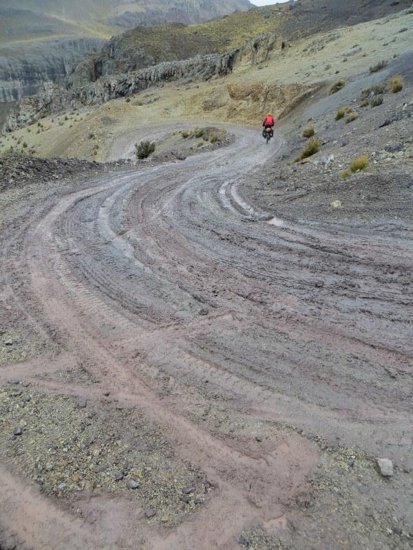 Descending from Punta Ushuayca