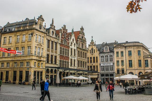 Las casas del Grote Markt en Lovaina, Bélgica