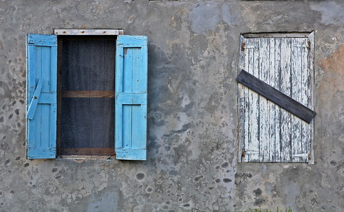 house window buildings decay bahamas rocksound eleuthra