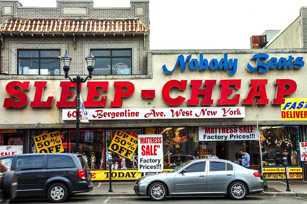 SLEEP-CHEAP--West-New-York