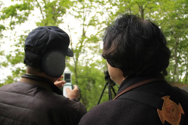 フィールドスコープと携帯電話のカメラを組み合わせて撮影にトライ.