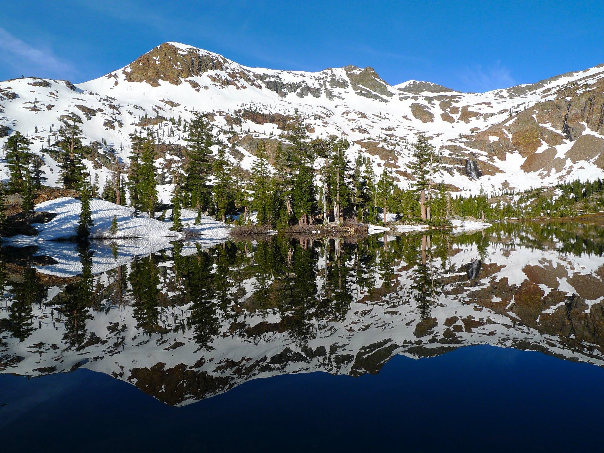 Half Moon Lake in the morning