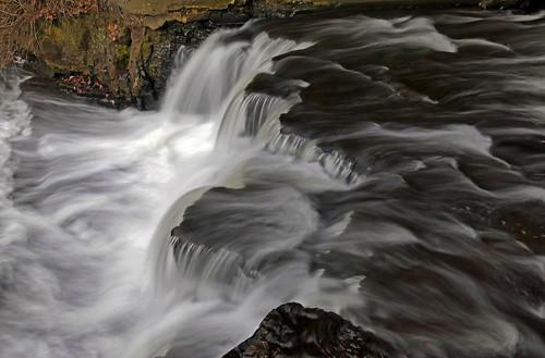 corbettsglen waterfall tunnelfalls sideview warmday