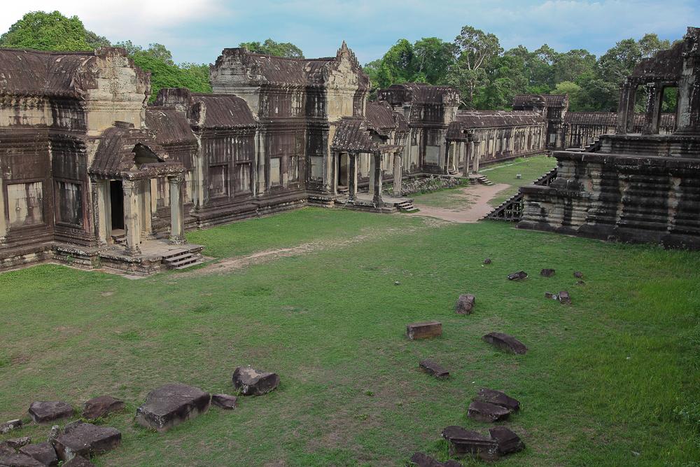Angkor Wat Inner Grass