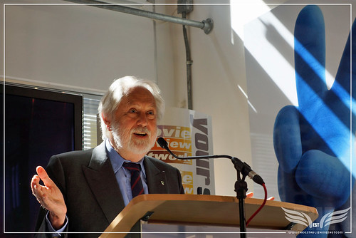 The Establishing Shot: LORD PUTTNAM TALKS FILM POSTER DESIGN AT THE FDA STATE OF THE ART CINEMA POSTER EXHIBITION by Craig Grobler
