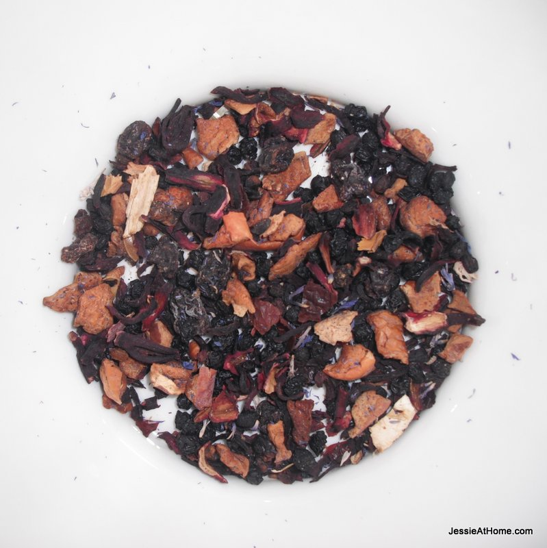 Yummy-Berry-Tea-From-InsaniTeallc.com