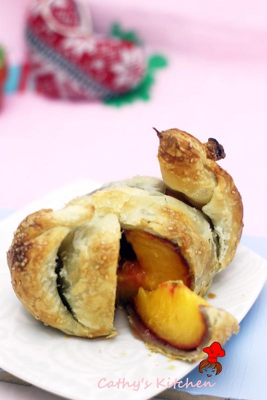 蜜桃酥烤包 Peach Dumpling 5