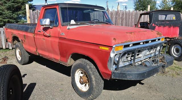 1977 Ford Custom F-250 4X4 Pickup Truck