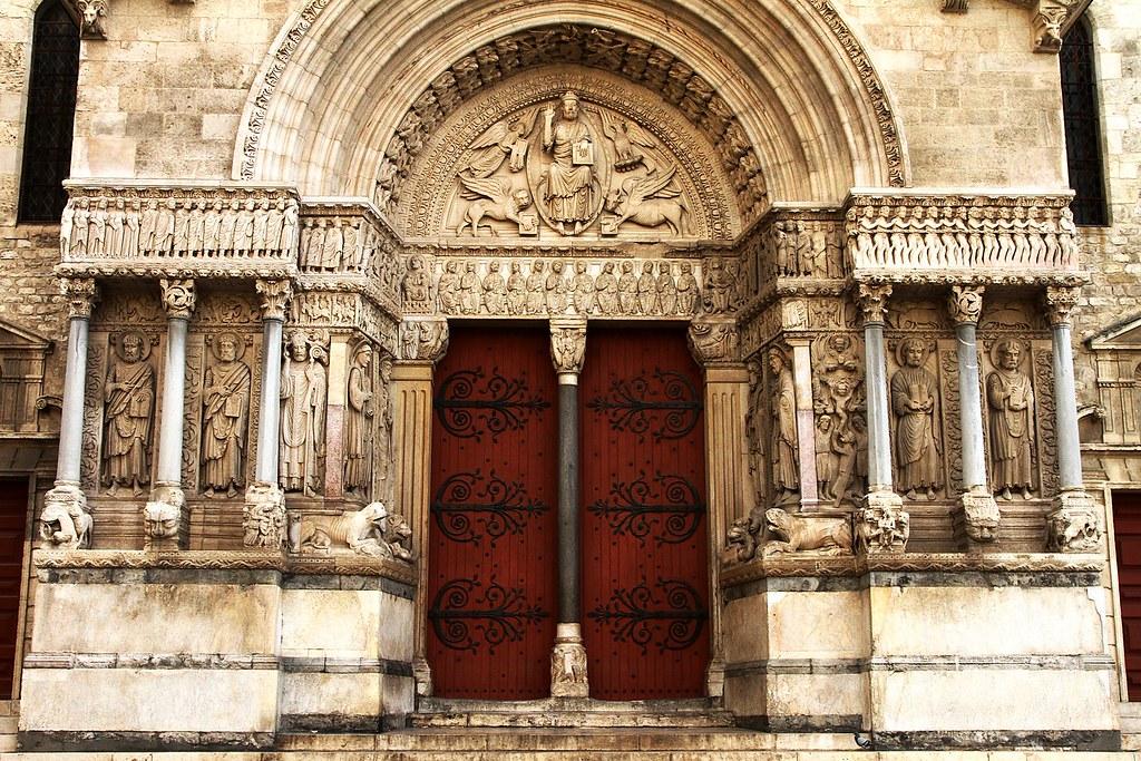Iglesia de San Trófimo de Arles