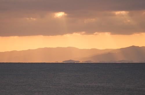 遠くに浮島現象?
