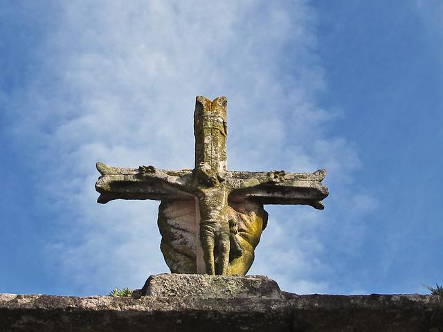 La cruz de la entrada pero, en donde? * Santa Mariña Dozo (Cambados - Pontevedra) from Flickr via Wylio