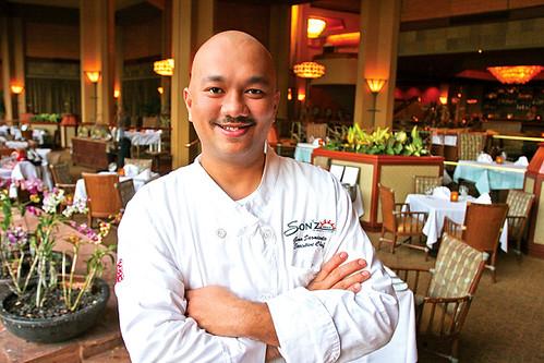 17.41_food-issue_Chef Geno
