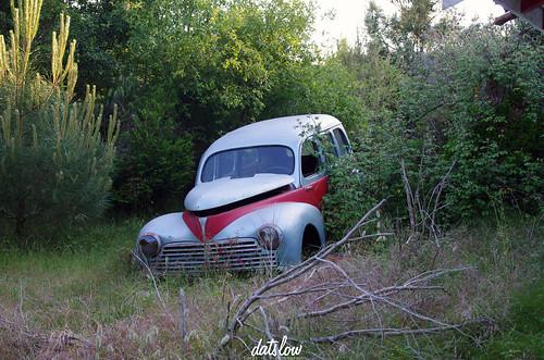 Les voitures abandonnées/oubliées (trouvailles personnelles) 14119944078_bce012dd77