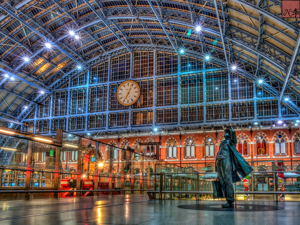 John Betjeman at St Pancras Station London (1 of 1)