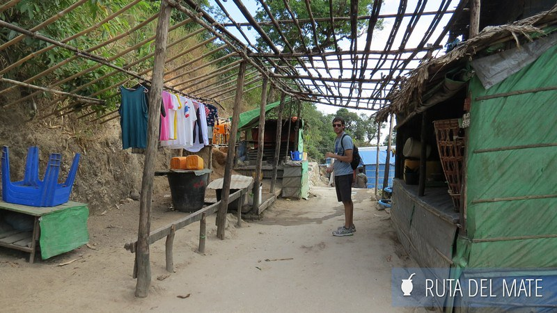 Golden Rock Myanmar (11)