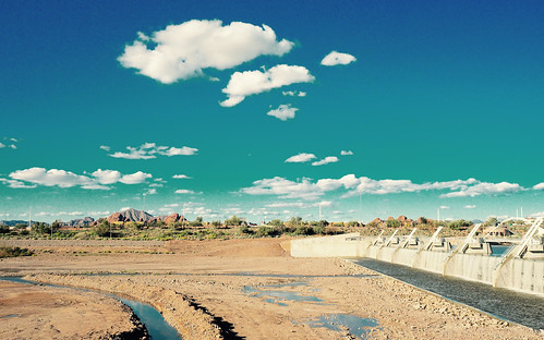 town lake dam phoenix tempe arizona desert river rio salado clouds february 2017 landscape