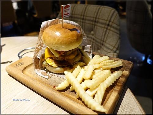 Photo:2017-03-18_ハンバーガーログブック_熟成肉もバーガーも捨てがたい!【渡辺通】NICK STOCK_06 By:logtaka