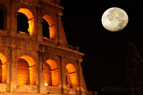 luna nel Colosseo