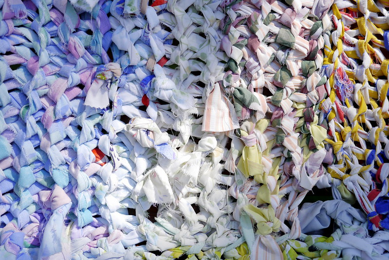 Tricotons la rue, Angora (oeuvre collective)