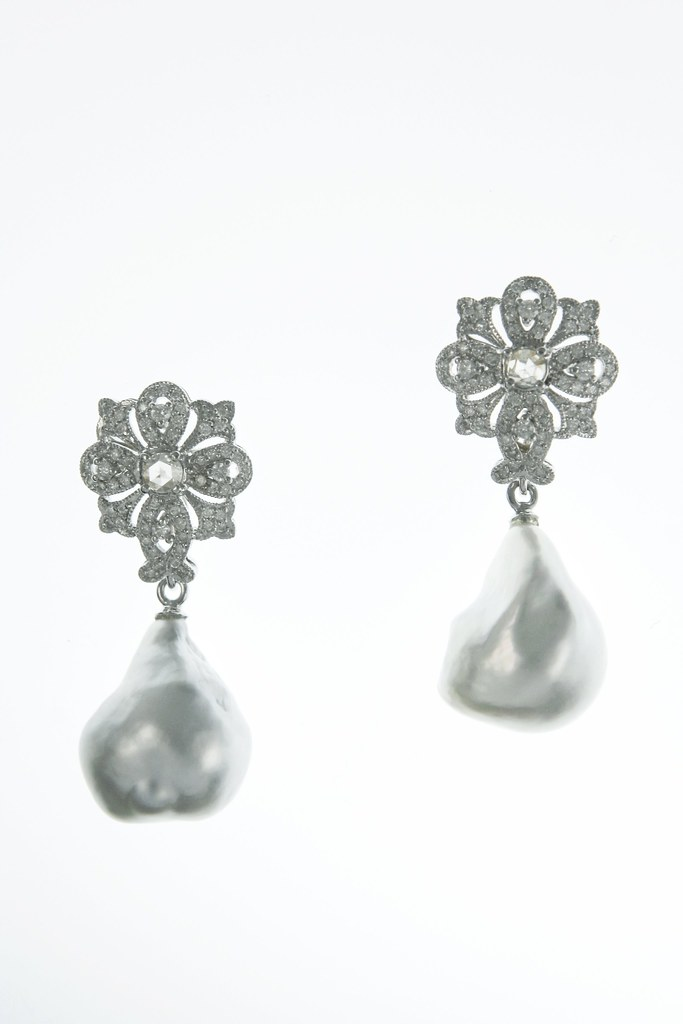 paulsyjucoearringsfleurdelispavewithrose cut diamondsandbaroquesouthseapearls